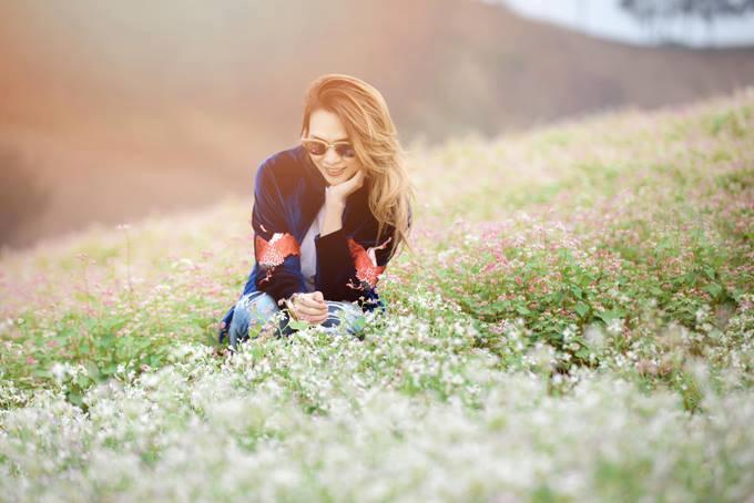 Ca sĩ Mỹ Tâm cũng từng đến Mộc Châu để chiêm ngưỡng vẻ đẹp của hoa tam giác mạch nơi đây