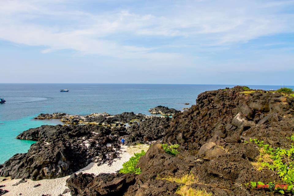 Vẻ đẹp hoang sơ của đảo Bé Lý Sơn