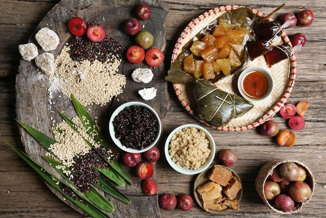 Một số món ăn quen thuộc được chuẩn bị để cúng Tết Đoan Ngọ