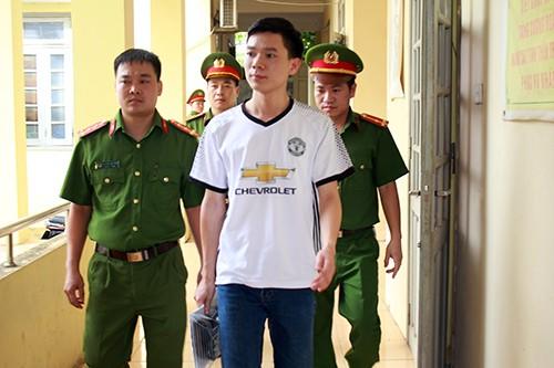 Bác sĩ Hoàng Công Lương đã bị cơ quan điều tra bắt giữ vì liên quan đến vụ việc 8 bệnh nhân chạy thận tử vong ở Hòa Bình