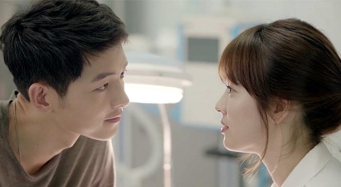 Song Joong Ki và Song Hye Kyo đã cùng hợp tác trong phim 'Hậu duệ mặt trời' từ giữa năm 2016