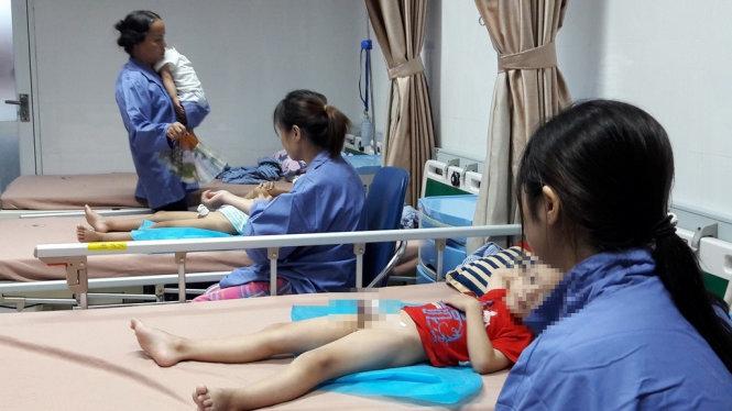 Bệnh viện Da liễu Trung ương sẽ miền phí điều trị cho các trẻ em bị sùi mào gà ở huyện Khoái Châu