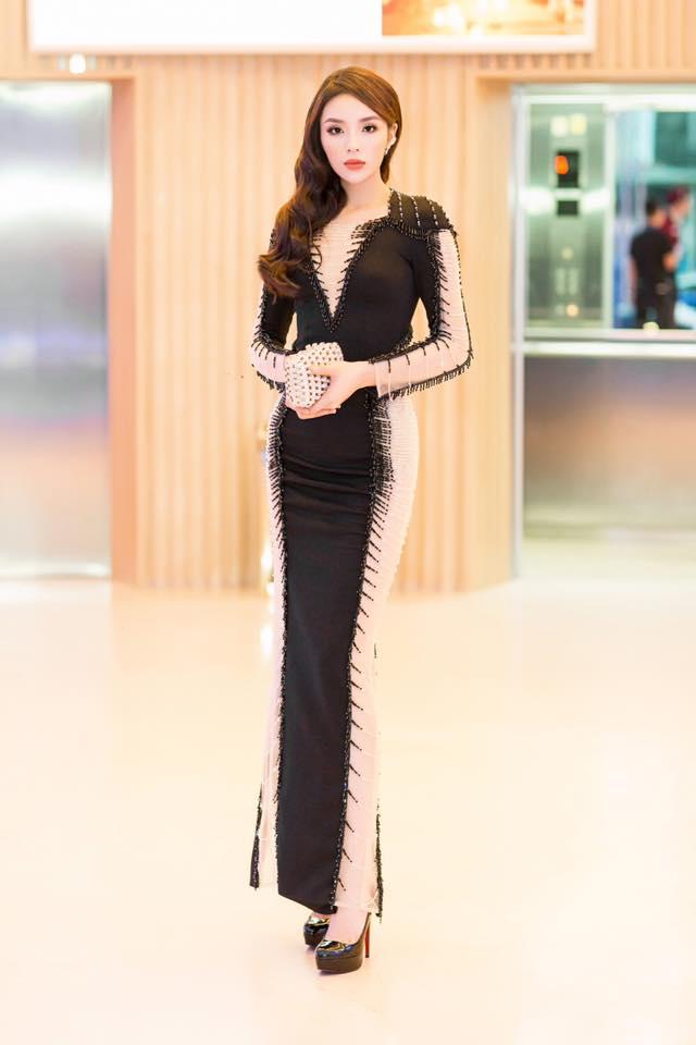 Hoa hậu Kỳ Duyên diện đầm bó sát lấp lánh đầy quyến rũ