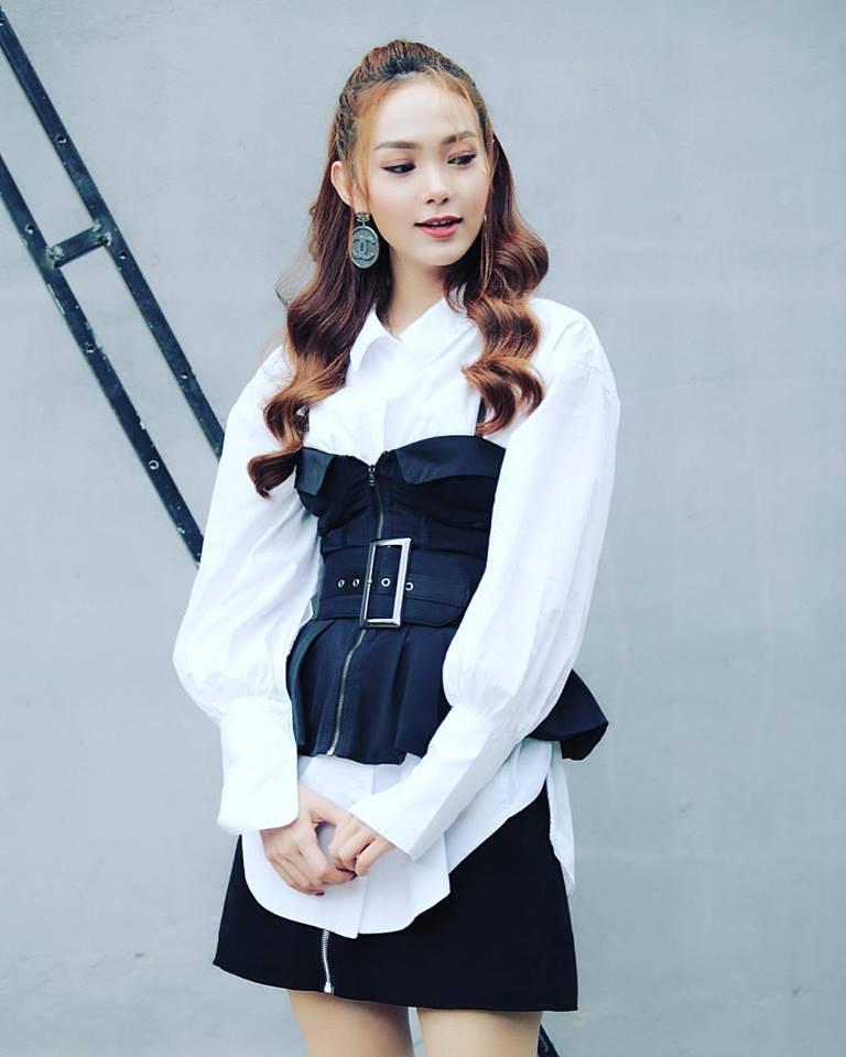 Nữ chính 'Sắc đẹp ngàn cân' khoe vòng eo thon với corset cách điệu