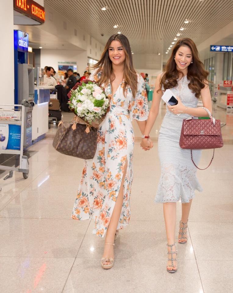 Hoa hậu Phạm Hương đón hoa hậu Dominican tại sân bay lúc đêm khuya
