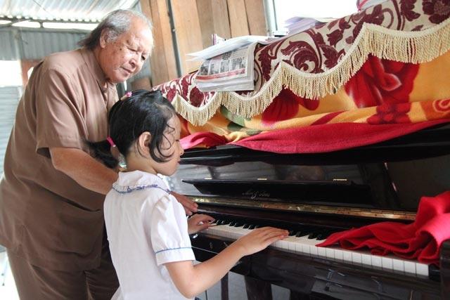 Ông Trọng luôn giữ sức khỏe tốt để chăm lo cho cả gia đình