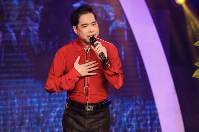 Ca sĩ Ngọc Sơn có nhiều đóng góp cho âm nhạc nhưng chức danh giáo sư không có cơ sở khoa học