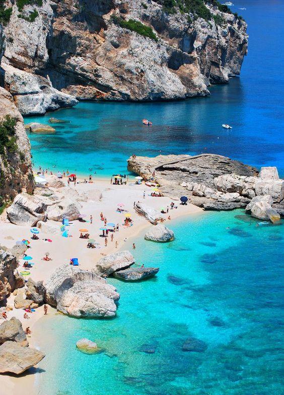 Vẻ đẹp của hòn đảo nổi tiếng Italia ven bờ Địa Trung Hải