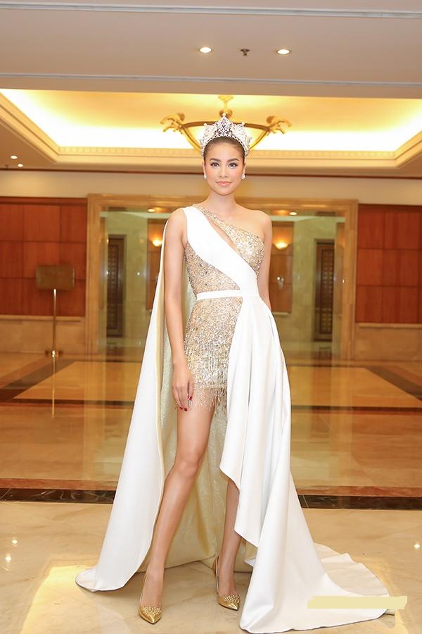 Các 'bông hậu' Việt đồng loạt mặc đẹp xuất sắc trong tuần qua