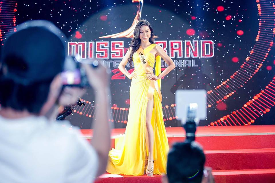 Những khoảnh khắc đắt giá nhất của Huyền My tại Miss Grand International 2017