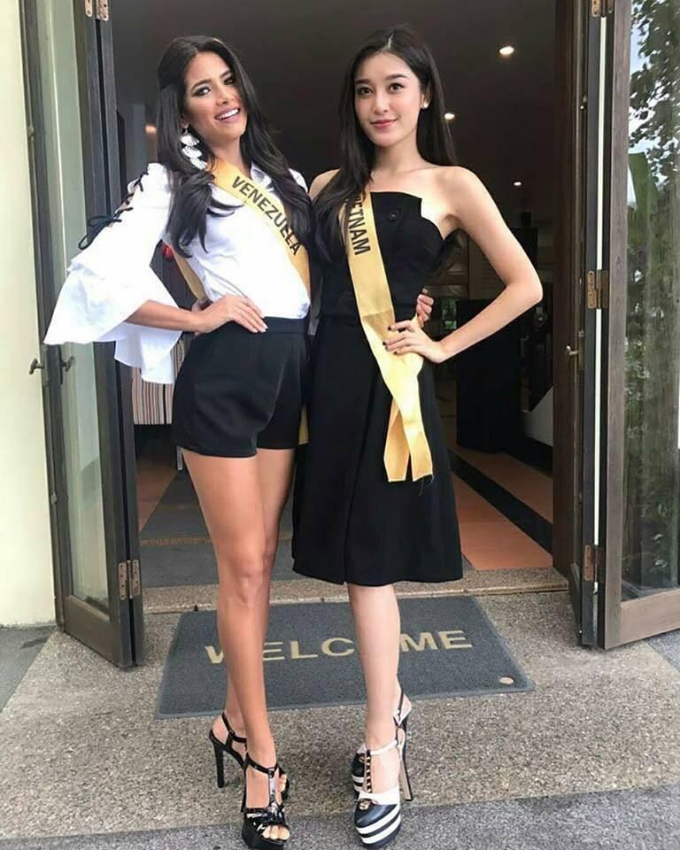 Huyền My cùng các thí sinh khác tại Miss Grand