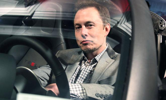 Elon Musk, Giám đốc điều hành sản xuất hãng xế điện Tesla nổi tiếng đồng là người sáng lập ra PayPal