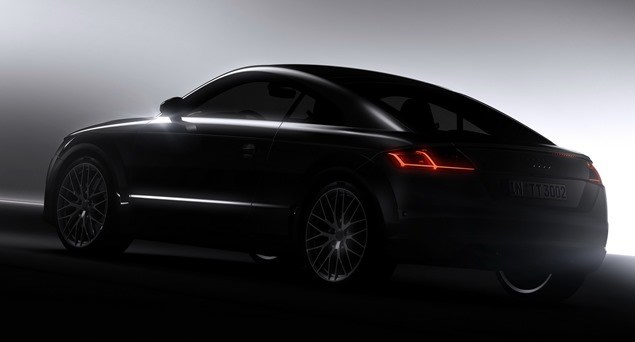 Với thiết kế lấy cảm hứng từ mẫu Allroad Shooting Brake concept, Audi TT thế hệ thứ ba sở hữu những đường nét góc cạnh, sắc nét hơn phiên bản trước. Nội thất được nâng cấp lại, hiện đại và sang trọng. Với trọng lượng nhẹ hơn, khả năng vận hành của xe cũng được cải thiện đáng kể.