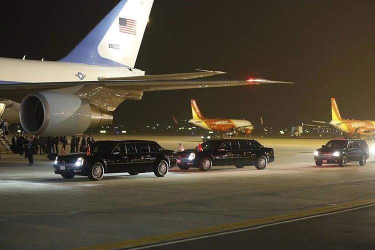 Tổng thống Obama đến Việt Nam: Di chuyển bằng siêu xe 'sinh đôi'