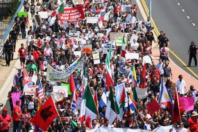 Biểu tình phản đối ông Donald Trump tại San Diego ngày 28/5