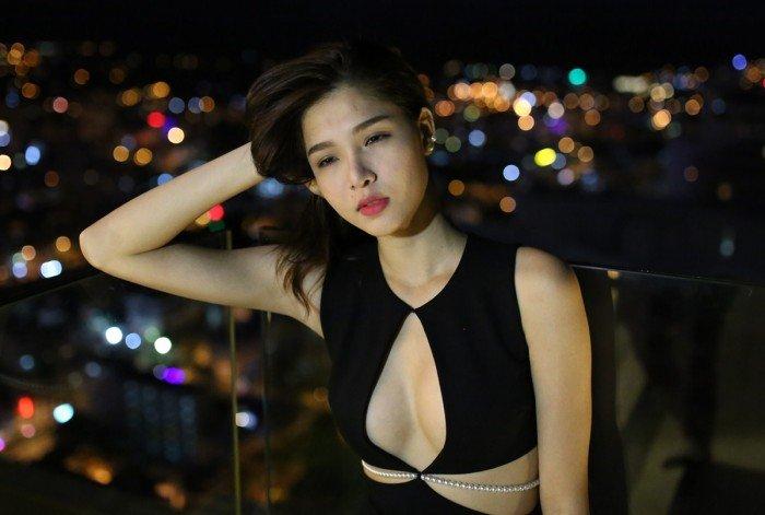 Kỳ Hân sinh năm 1995, là một cái tên khá nổi trong làng mẫu Sài Gòn. Cô cũng từng được chú ý khi hẹn hò với hot boy Huỳnh Anh trong một khoảng thời gian trước đây.