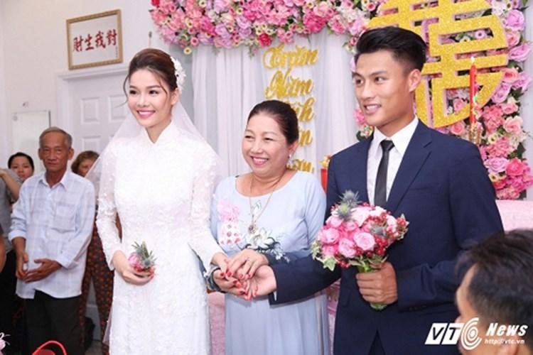 Hôn lễ của cặp đôi 'tai tiếng' nhất showbiz Việt Mạc Hồng Quân và Kỳ Hân đã chính thức được tổ chức vào hôm nay (15/6). Ảnh: VTC News.