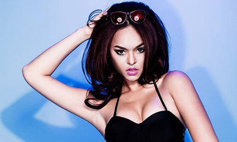 Mai Ngô được cộng đồng mạng biết đến thông qua hình ảnh một cô nàng bitchy trong cuộc thi tìm kiếm người mẫu Châu Á.