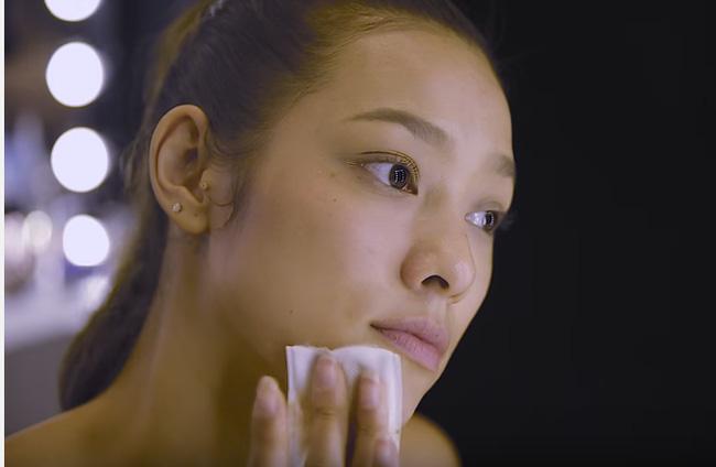 Sở hữu chiều cao ấn tượng, nụ cười rạng rỡ và làn da nâu khỏe khoắn, cho nên chắc chắn khi về team Hồ Ngọc Hà, Lily Nguyễn sẽ tỏa sáng.