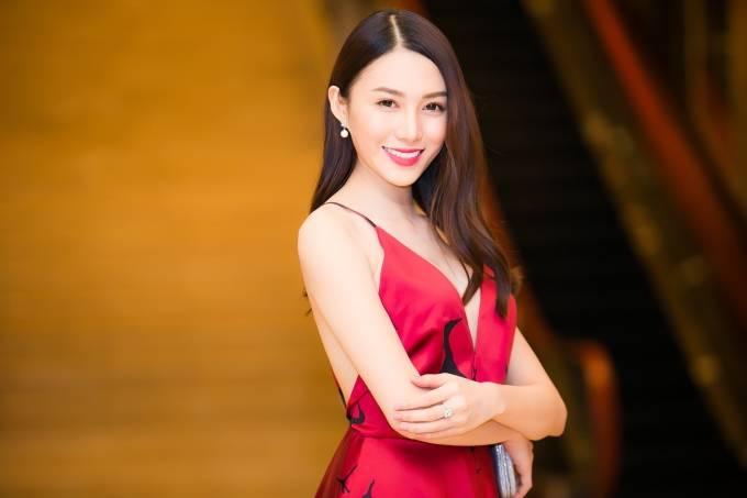 Với thân hình nóng bỏng, khuôn mặt xinh đẹp, Lê Hà được kỳ vọng sẽ tỏa sáng tại The Face 2016.