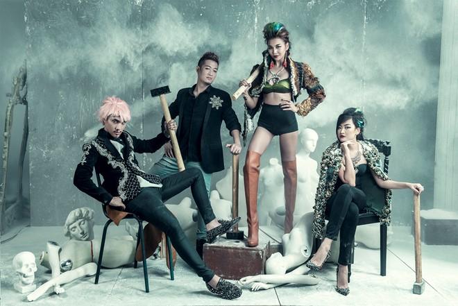 Vietnam's Next Top Model mùa 7 mang thông điệp 'Break the rules – Phá bỏ mọi giới hạn', vì thế dàn giám khảo của chương trình cũng xây dựng hình ảnh theo chủ đề này.