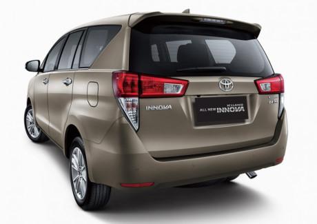 Được biết, sức hút của Innova 2016 trên thị trường là khá lớn bởi đây là phiên bản đánh dấu màn lột xác của dòng xe này sau nhiều năm gần như không chịu cải tiến.