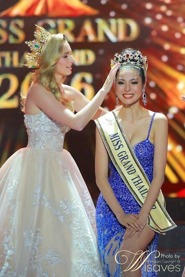 Cùng ngắm nhan sắc 'tuyệt thế giai nhân' của cô Tân Hoa hậu Thái Lan 2016.