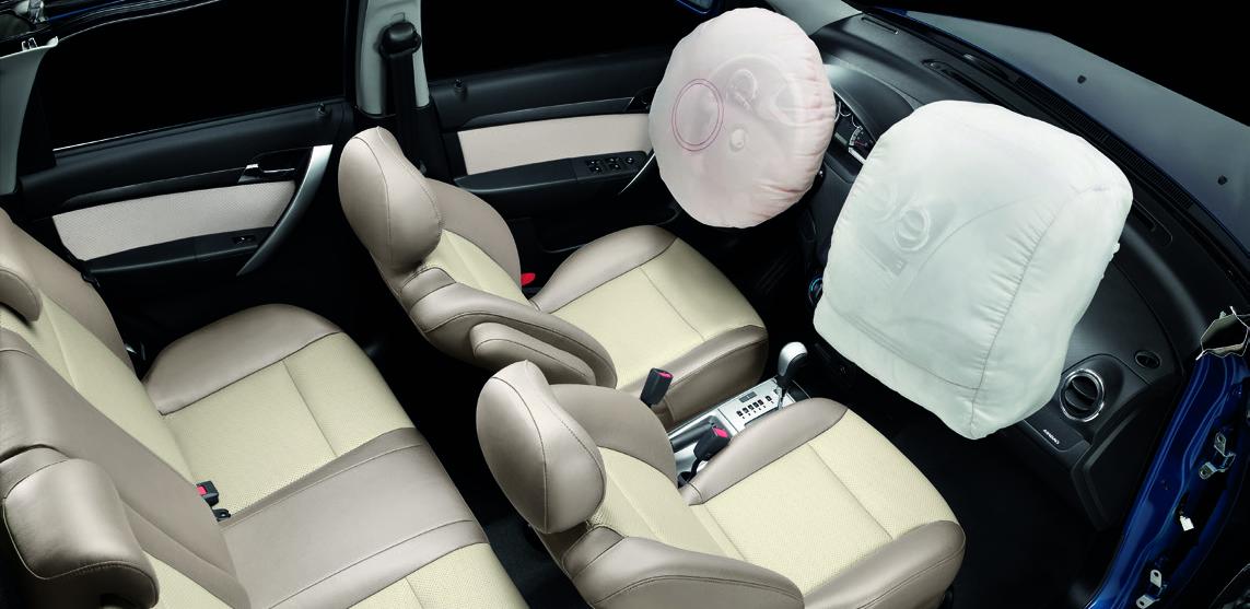 Chevrolet Aveo trang bị 02 túi khí cho người lái và hành khách giúp giảm thiểu thương tổn khi xảy ra va chạm.