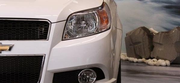 Đèn pha xe Aveo LT tự động bật sáng daylight khi khởi động xe.