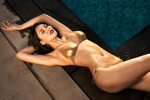 Từ thời điểm giành ngôi vị Người đẹp Biển Hoa hậu Việt Nam 2010, Nguyễn Thị Loan ngày càng đẹp hơn rất nhiều.