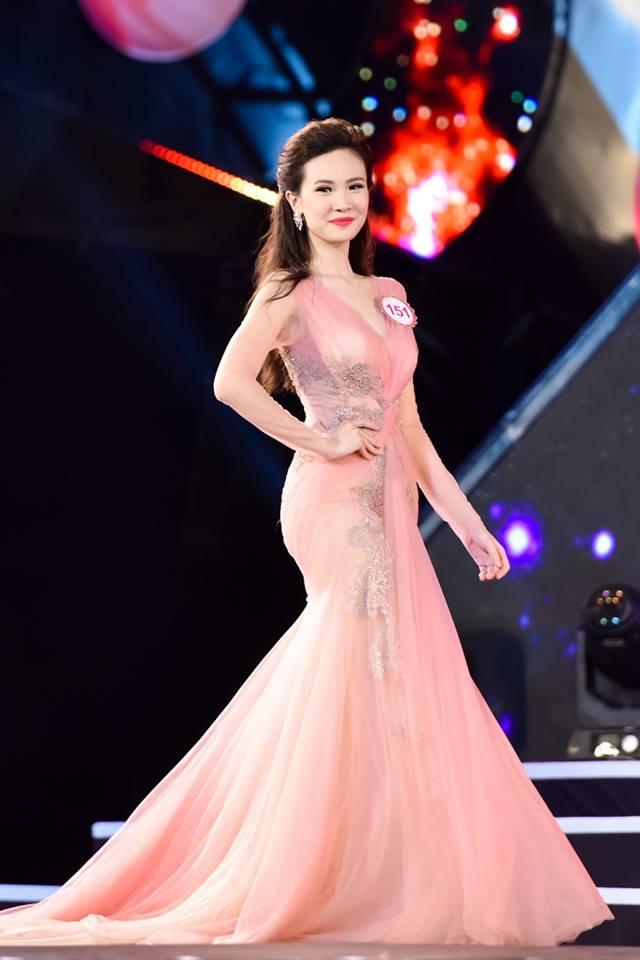 Hương Ly là một trong những gương mặt được đánh giá có khả năng đăng quan Hoa hậu Việt Nam 2016.