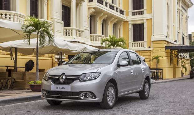 Mặt trước của Logan được thiết kế lại nhằm nhấn mạnh đặc trưng ''Design by Renault''.