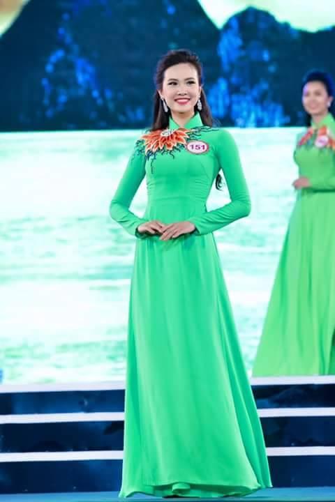 Hương Ly hiện đang là sinh viên trường Đại học Kinh tế Quốc dân Hà Nội.