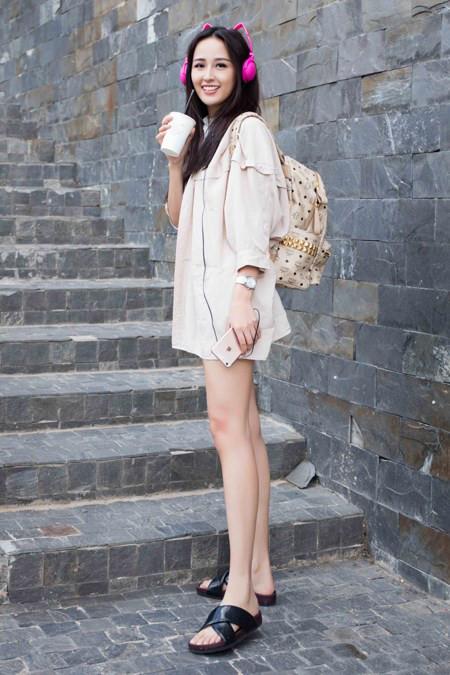 """Tuy nhiên, cô hoa hậu có biệt danh """"Cún bông"""" ngày nào giờ đã đạt """"độ chín"""" về nhan sắc và trở thành một trong những nhan sắc """"đỉnh cao"""" của showbiz Việt."""