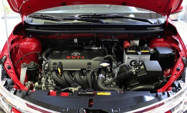 Toyota Vios 2016 được trang bị động cơ xăng 1,5l mang đến cho xe sự bền bỉ, vận hành mạnh mẽ và đặc biệt là chế độ tiết kiệm nhiên liệu tối đa.