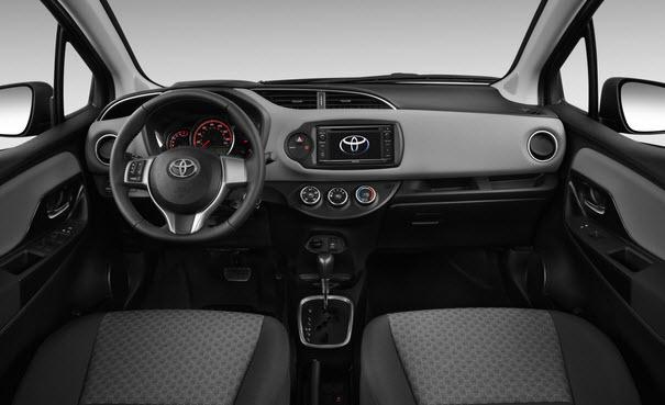 Ngoài ra, ở phiên bản 1.3E của xe còn được trang bị thêm hệ thống nghe nhìn với CD 1 đĩa 4 loa. Phiên bản 1.3G có thêm đầu đĩa DVD 1 đĩa 6 loa cũng với các phím điều khiển hệ thống giải trí tích hợp trên vô lăng rất hữu ích.