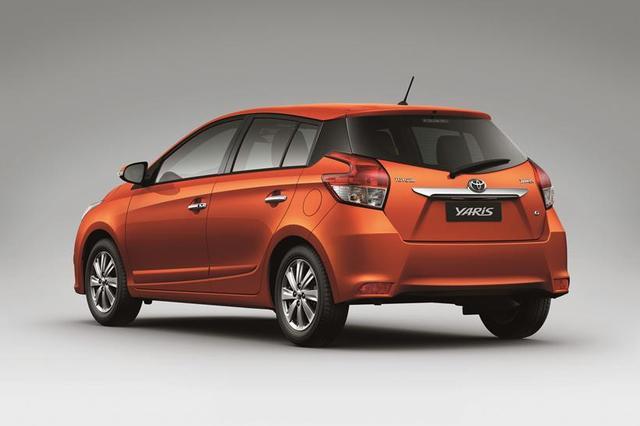 Phân cấp trang bị là một trong các yếu tố chính ảnh hưởng đến giá xe Yaris E và Yaris G.