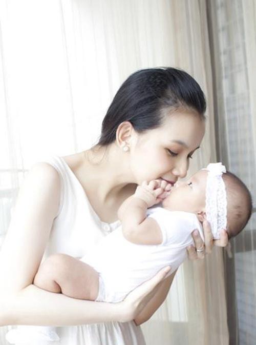 Sau đó, Thùy Lâm mang thai con đầu lòng và rút lui khỏi làng giải trí để chuẩn bị đảm nhận thiên chức mới.