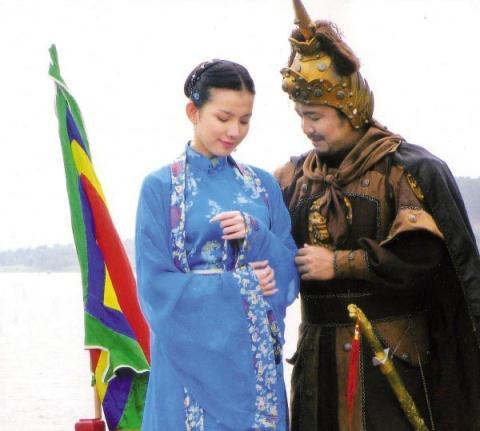 Sau khi gây ấn tượng ở đấu trường nhan sắc trong nước và quốc tế, Thùy Lâm hoạt động cầm chừng với vai trò diễn viên.