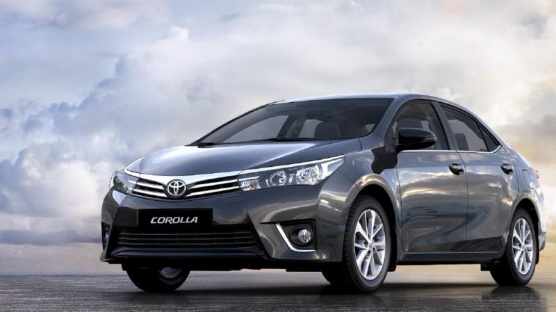 Thứ bảy là Toyota Corolla Altis với 653 xe.