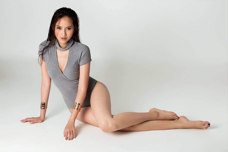 Sau khi đồng đội Ngọc Loan bị loại vào tập 9 vừa qua, Khánh Ngân trở thành chiến binh cuối cùng của đội Phạm Hương và cũng chính là lúc cô nàng này trở nên tỏa sáng nhất nhận được nhiều lời khen ngợi từ các huấn luyện viên cũng như sự yêu mến từ khác giả.