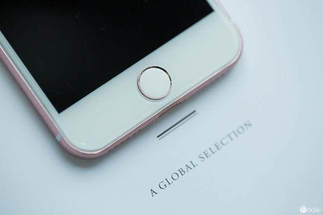 Nút Home trên iPhone mới được dự đoán sẽ chuyển sang phương thức cảm ứng điện dung và có tính năng tương tự như Force Touch trên trackpad của MacBook, tức khả năng cảm nhận lực nhấn từ tay người dùng để phản hồi theo những cách khác nhau.