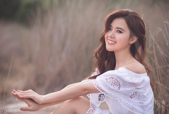 Nữ diễn viên được nhiều người ưu ái khen có khuôn mặt rất cân đối, hài hòa.