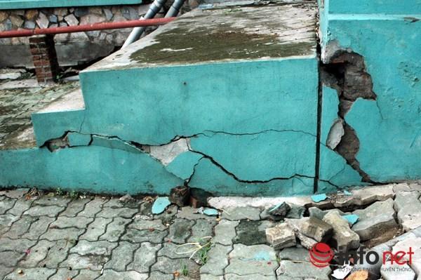 Cảnh tượng này khá phổ biến ở khu tái định cư Đồng Tàu (Hoàng Mai, Hà Nội)