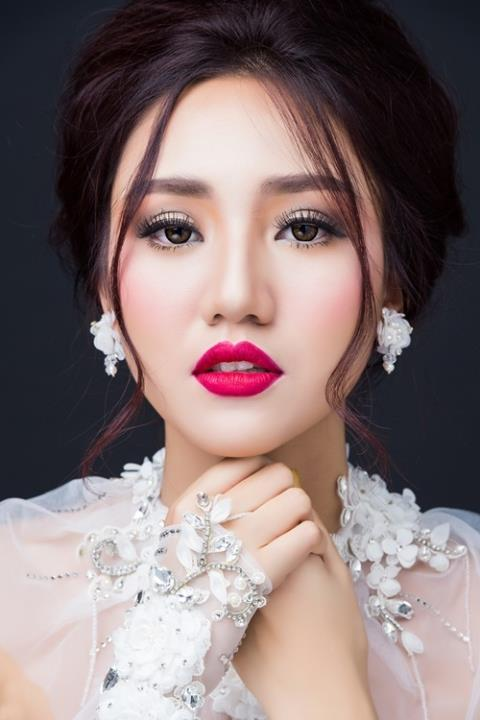 Chị gái của Thanh Tú chính là Á hậu Hoàn vũ 2015 Ngô Trà My. Trà My sinh năm 1992 và đã lập gia đình.