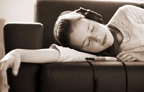 Những thói quen nguy hiểm 'chết người' khi dùng tai nghe