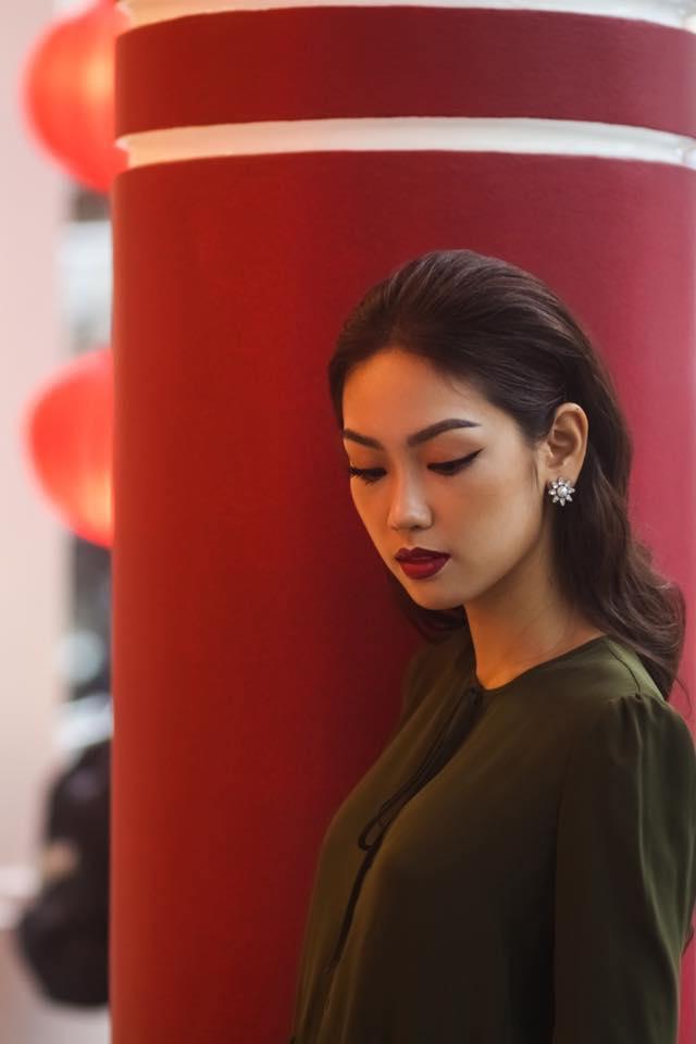 Phương Linh được đánh giá là một trong những thí sinh thông minh nhất của cuộc thi Hoa khôi Áo dài Việt Nam 2016.