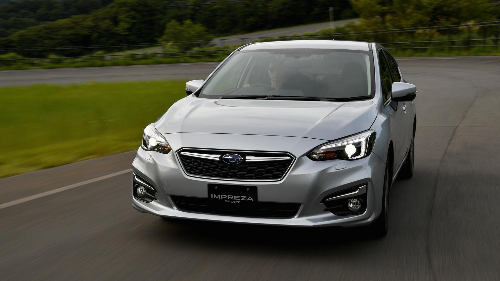 Subaru Impreza 2017 giá 428 triệu đồng có gì hấp dẫn?