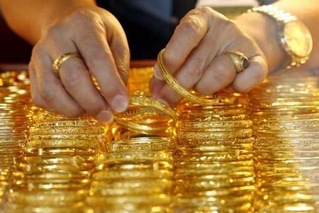 giá vàng hôm nay 28/10: giá vàng đứng yên phiên cuối tuần