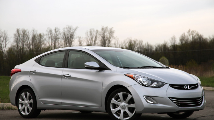 Top 5 ô tô cũ siêu đẹp 'giá rẻ như bèo' của Hyundai